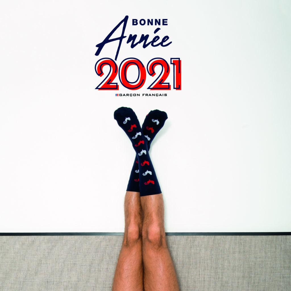 Garçon Français célèbre cette nouvelle année 2021.